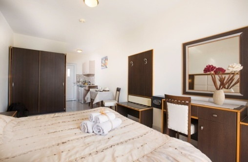 George Beach Studios - Studios for 2 Adults in Pefki, Pefkos, Rhodes