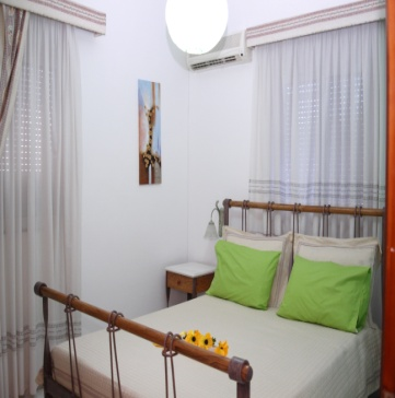 George Beach Studios - Villa for 2 - 4 Adults in Pefki, Pefkos, Rhodes